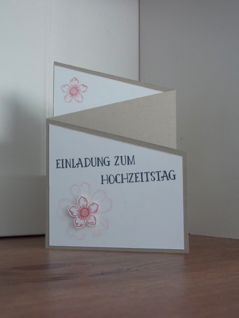 Moving Z Fold Card