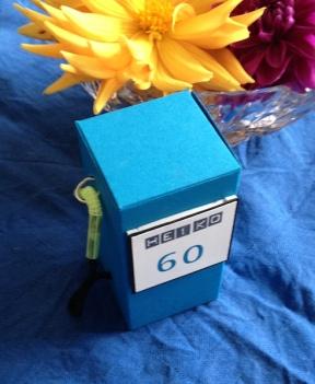 Zapfsäule zum 60. Geburtstag in Pazifikblau