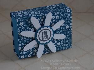 Schachtel nach dem Streichholzprinzip in den Farben: Jeansblau, Smaragdgrün, Pfirsich Pur, Zarte Pflaume und Flamingorot.