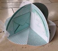 Circel Fold Up Card 6