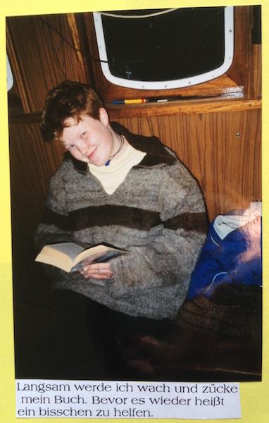 Ich beim Lesen auf der Nordland 2002