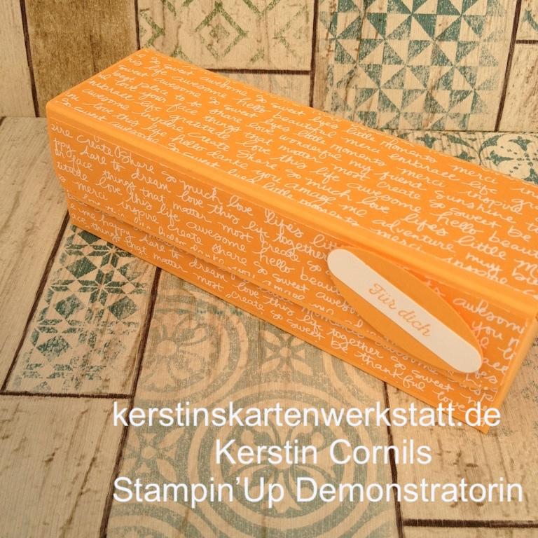 Klappbox in pfirisch Pur mit Schrift