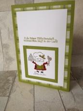 """Weihnachtskarten mit passenden Schachteln gebastelt mit den Stempelsets """"Spirited Snowmen"""" und """"Heiter bis weihnachtlich"""" von Stampin Up aus dem Herbst-/Winterkatalog 2018. Die Karten sind in Tannengrün, Olivegrün und Glutrot gestaltet. Das passende Designpapier heißt """"Weihnachtsfreuden""""."""