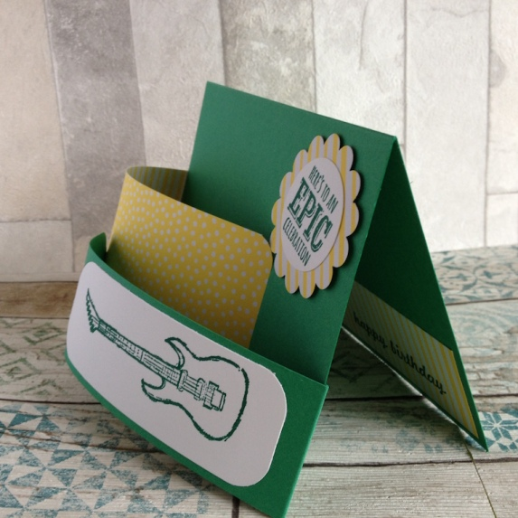 Bendi Fold Karte mit Gitarre 3