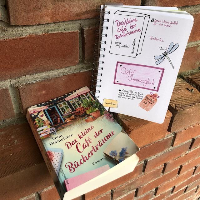 Rezension mit Sketchnotes zurm Roman: Das kleine Cafe der Bücherträume von Lena Hofmeister aus dem HarperCollins Verlag